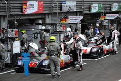 №1 Porsche Team, Porsche 919 Hybrid: Андре Лоттерер, Ник Тэнди, Нил Джани; №2 Porsche Team, Porsche 919 Hybrid: Брендон Хартли, Эрл Бамбер, Тимо Бернхард