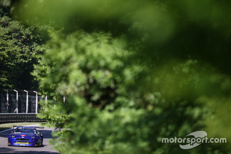 #14 Emil Frey Jaguar Racing, Jaguar G3: Lorenz Frey, Stéphane Ortelli, Albert Costa