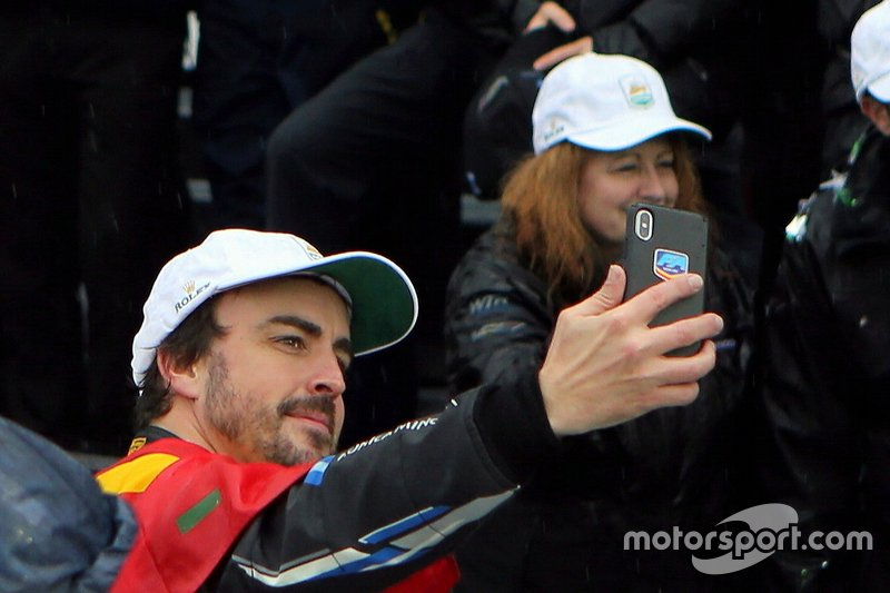 #10 Konica Minolta Cadillac DPi-V.R.: Fernando Alonso