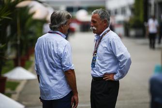 كارلوس ساينز وتشايس كاري، الرئيس التنفيذي لمجلس إدارة مجموعة الفورمولا واحد