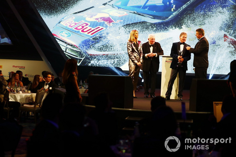 "Malcolm Wilson con il ""Rally Car of the Year award"""