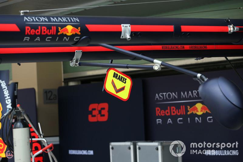 Le garage Red Bull Racing
