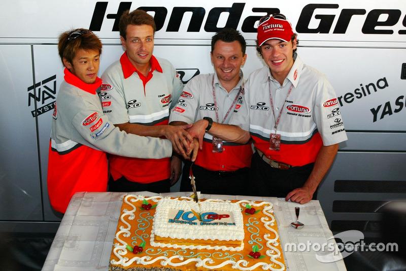 Daijiro Kato, Fortuna Honda Gresini cfeieren den 100. GP vom Team Gresini