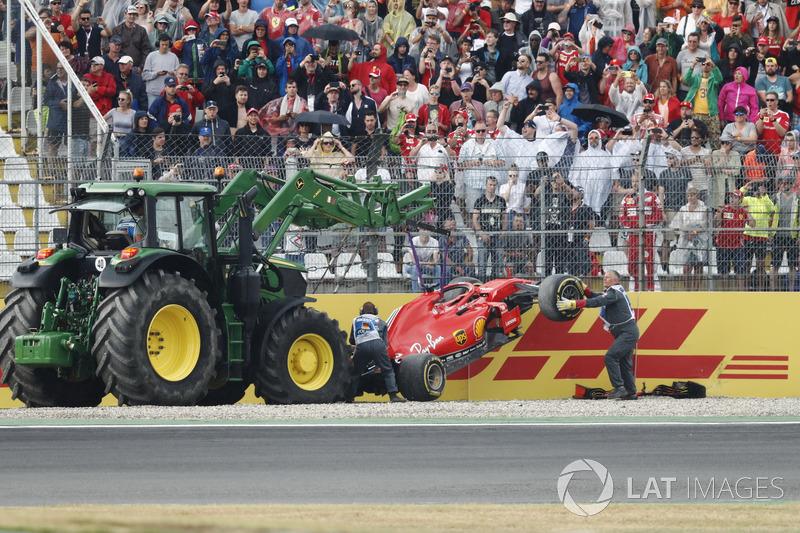 Sebastian Vettel; Ferrari SF71H dans le mur