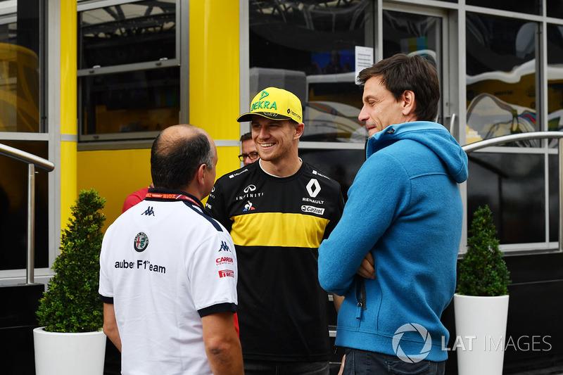 Frederic Vasseur, directeur de Sauber, Nico Hulkenberg, Renault Sport F1 Team et Toto Wolff, directeur de Mercedes AMG F1