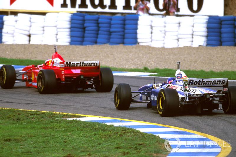Para fechar, uma curiosidade: apesar de terem disputado o título, Villeneuve e Schumacher não dividiram nenhum dos 17 pódios do ano.