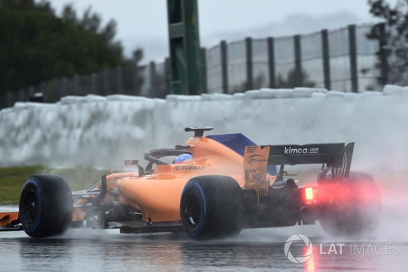 Fernando Alonso foi o único a fazer volta rápida e, oficialmente, foi o mais rápido do dia.