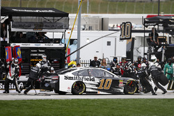 Aric Almirola, Stewart-Haas Racing, Smithfield Ford Fusion pit stop