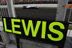 Pit boards for Lewis Hamilton, Mercedes-AMG F1