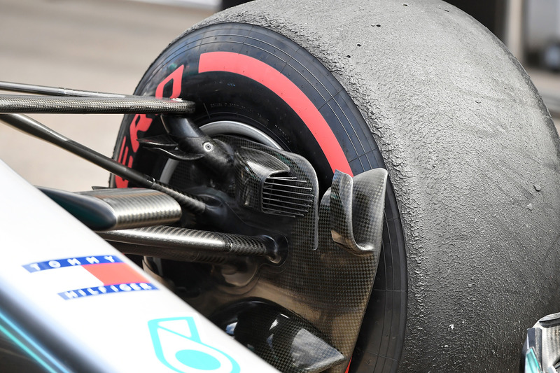 Mercedes-AMG F1 W09 front brake duct detail