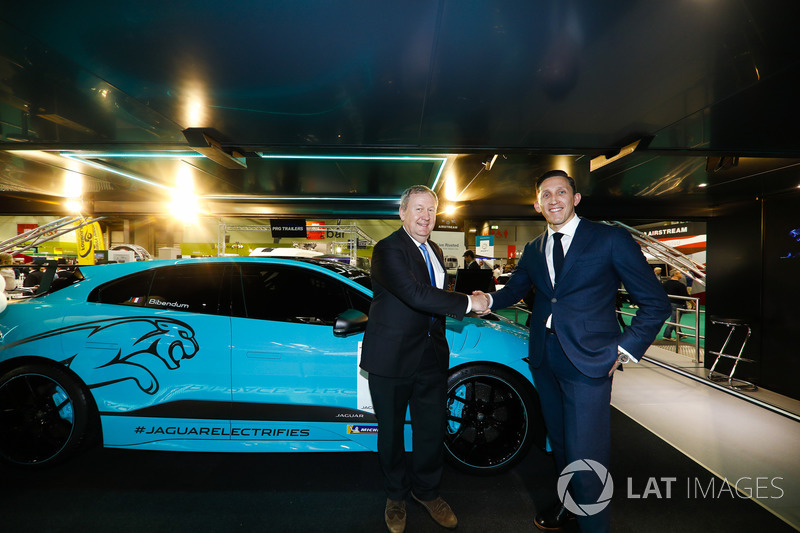 The Jaguar I-Pace eTrophy is launched, James Barclay and Pascal Couasnon shake hands