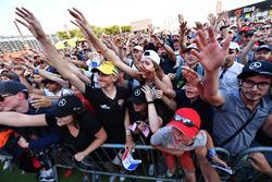 Des fans dans la Fan Zone
