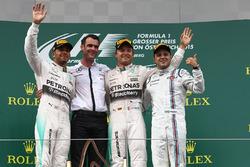Lewis Hamilton, Mercedes AMG F1, racewinnaar Nico Rosberg, Mercedes AMG F1 en Felipe Massa, Williams vieren feest op het podium