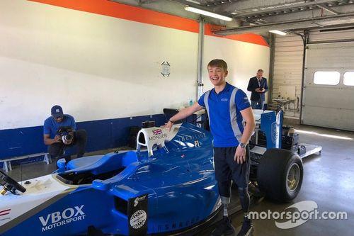 Тесты Билли Монгера за рулем автомобиля Ф1