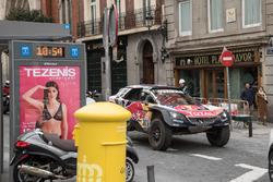 Carlos Sainz, Lucas Cruz, Peugeot Sport, Madrid caddelerinde