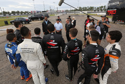 Brett Bodine and Jusan Hamilton talk to the 2017 NASCAR Drive for Diversity Combine participants