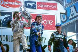 Podyum: Yarış galibi Alain Prost, Renault, 2. Carlos Reutemann, Williams, 3. René Arnoux, Renault