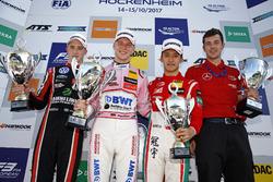 Podium: ganador, Maximilian Günther, Prema Powerteam Dallara F317 - Mercedes-Benz, segundo, Joel Eriksson, Motopark Dallara F317 - Volkswagen, tercero, Guan Yu Zhou, Prema Powerteam, Dallara F317 - Mercedes-Benz