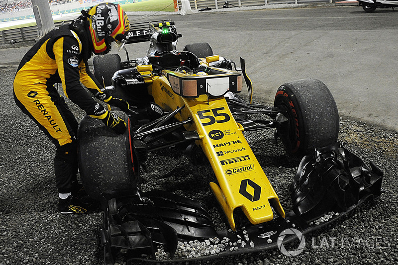 Carlos Sainz Jr., Renault Sport F1 Team RS17 (8 abandonos)