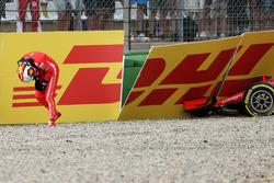 После аварии: Себастьян Феттель, Ferrari SF71H