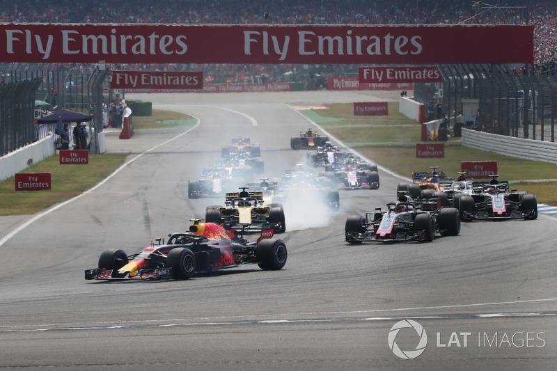 Max Verstappen, Red Bull Racing RB14 au premier tour