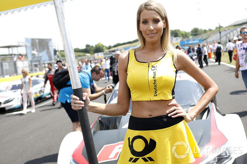 La grid girl di Loic Duval, Audi Sport Team Phoenix