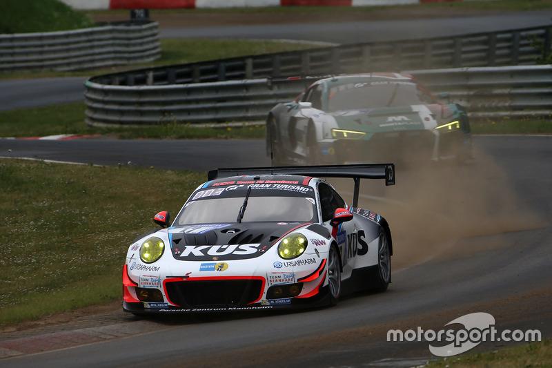 #17 Team 75 Bernhard (Porsche 911 GT3-R)