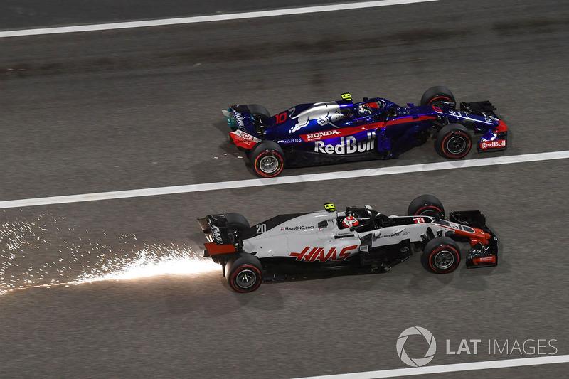 Kevin Magnussen, Haas F1 Team VF-18 y Pierre Gasly, Scuderia Toro Rosso STR13