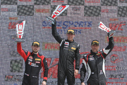 GTA podium: pemenang Frankie Montecalvo, peringkat kedua Michael Schein, peringkat ketiga Andy Wilzoch