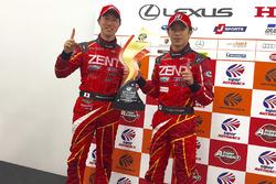 GT500 yarış galibi #38 Zent Cerumo Lexus RC F: Yuji Tachikawa, Hiroaki Ishiura