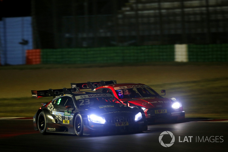 17. Daniel Juncadella, Mercedes-AMG Team HWA, Mercedes-AMG C63 DTM, René Rast, Audi Sport Team Rosberg, Audi RS 5 DTM