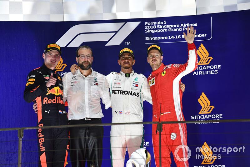 15. GP Singapura - Podium: Lewis Hamilton, Max Verstappen, Sebastian Vettel