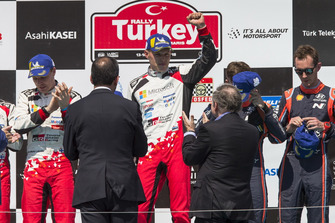 Podium : Ott Tänak, Martin Järveoja, Toyota Gazoo Racing WRT Toyota Yaris WRC