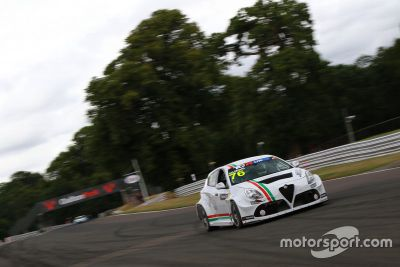 TCR UK: Oulton Park