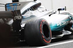 Valtteri Bottas, Mercedes AMG F1 W08 with damage