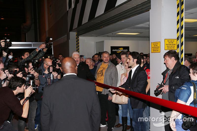 Dario Franchitti inaugura el show