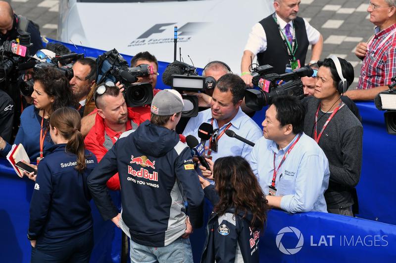 Daniil Kvyat, Scuderia Toro Rosso, Ted Kravitz, Sky Sports F1