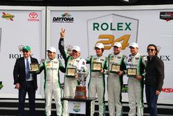 Подіум GTD: переможці -  Деніел Морад, Карлос де Кесада, Майкл де Кесада, Жессе Лазар, Мікаель Крістенсен, Alegra Motorsports