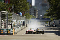 Felix Rosenqvist, Mahindra Racing, battles with Stéphane Sarrazin, Techeetah