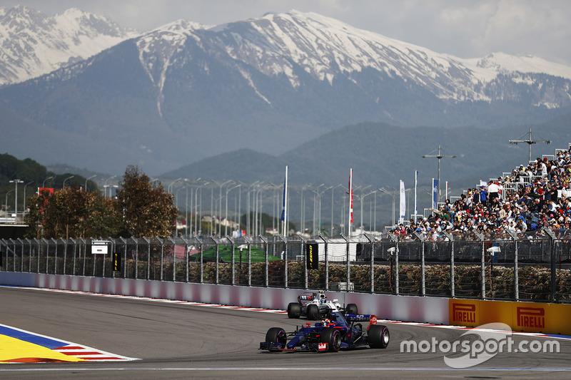 Daniil Kvyat, Scuderia Toro Rosso STR12, Lance Stroll, Williams FW40