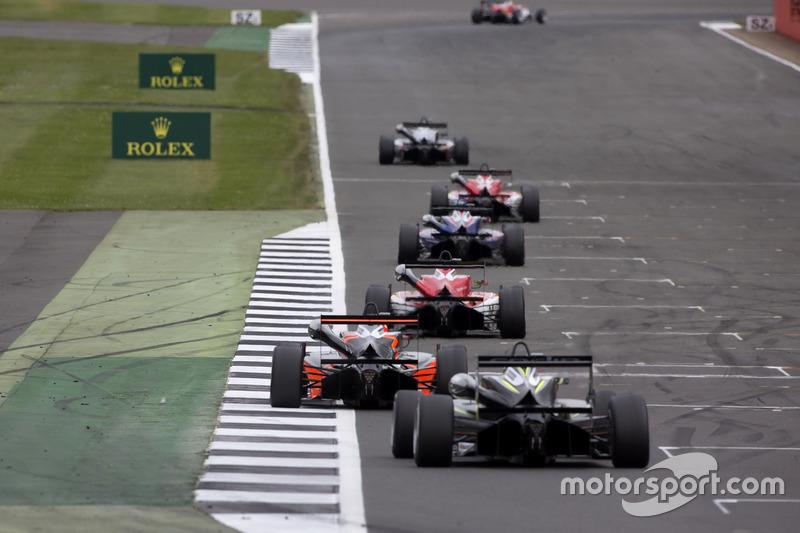 Lando Norris, Carlin, Dallara F317 - Volkswagen, Mick Schumacher, Prema Powerteam, Dallara F317 - Mercedes-Benz, Joey Mawson, Van Amersfoort Racing, Dallara F317 - Mercedes-Benz