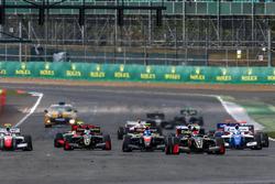 Start: Pietro Fittipaldi, Lotus leads