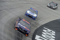 Denny Hamlin, Joe Gibbs Racing Toyota, A.J. Allmendinger, JTG Daugherty Racing Chevrolet, Kevin Harvick, Stewart-Haas Racing Ford