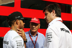 Lewis Hamilton, Mercedes AMG F1 with Niki Lauda, Mercedes Non-Executive Chairman and Toto Wolff, Mer