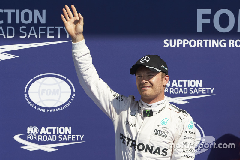 Nico Rosberg, Mercedes AMG F1 W07 Hybrid celebrate his pole position