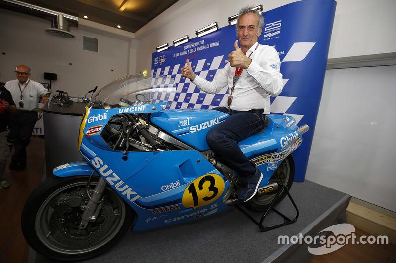 Franco Uncini auf seiner 500er-Suzuki, mit der er 1982 Weltmeister wurde