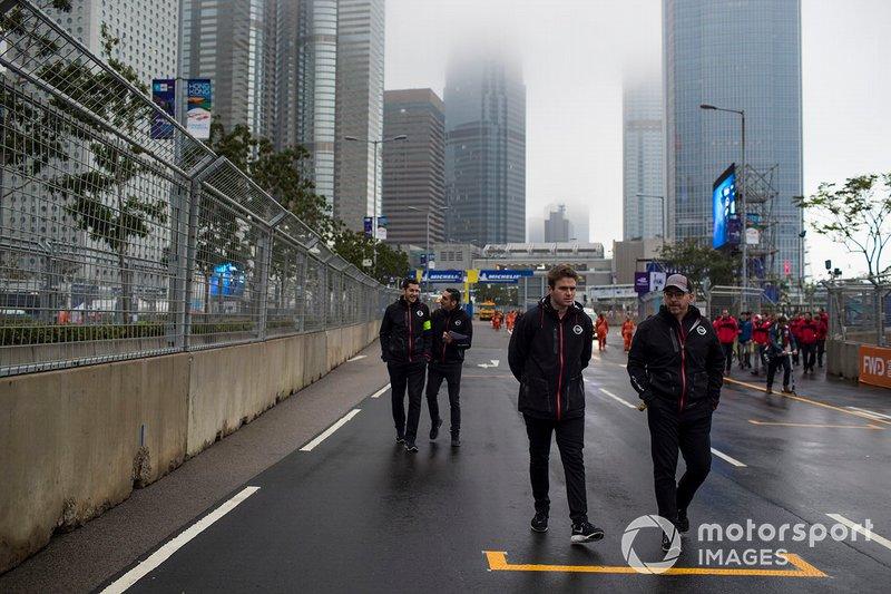 Oliver Rowland, Nissan e.Dams, Sébastien Buemi , Nissan e.Dams walk the track