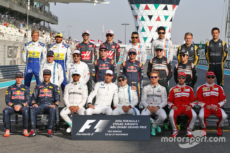 La fotografía de grupo de pilotos de final de la temprada