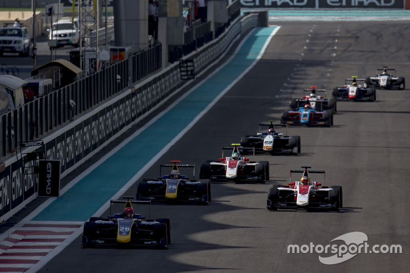 Santino Ferrucci, DAMS leads Charles Leclerc, ART Grand Prix y Kevin Joerg, DAMS