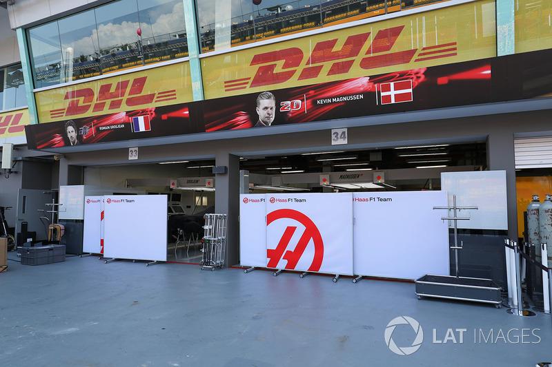 Haas F1 Team garage